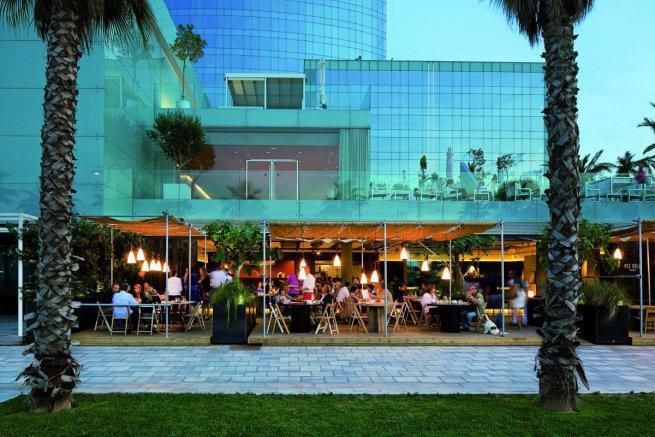 exterior-del-restaurante-pez-vela